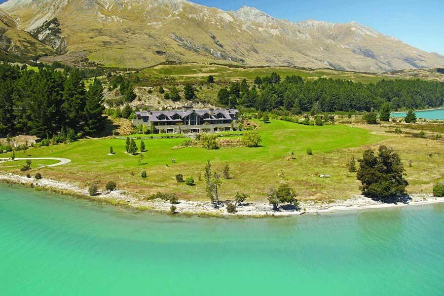 Blanket Bay Lodge luxury lodges Queenstown