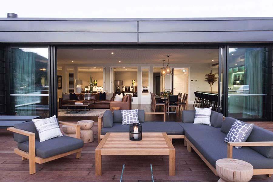 Eichardts Queenstown 5 star hotels New Zealand luxury accommodation