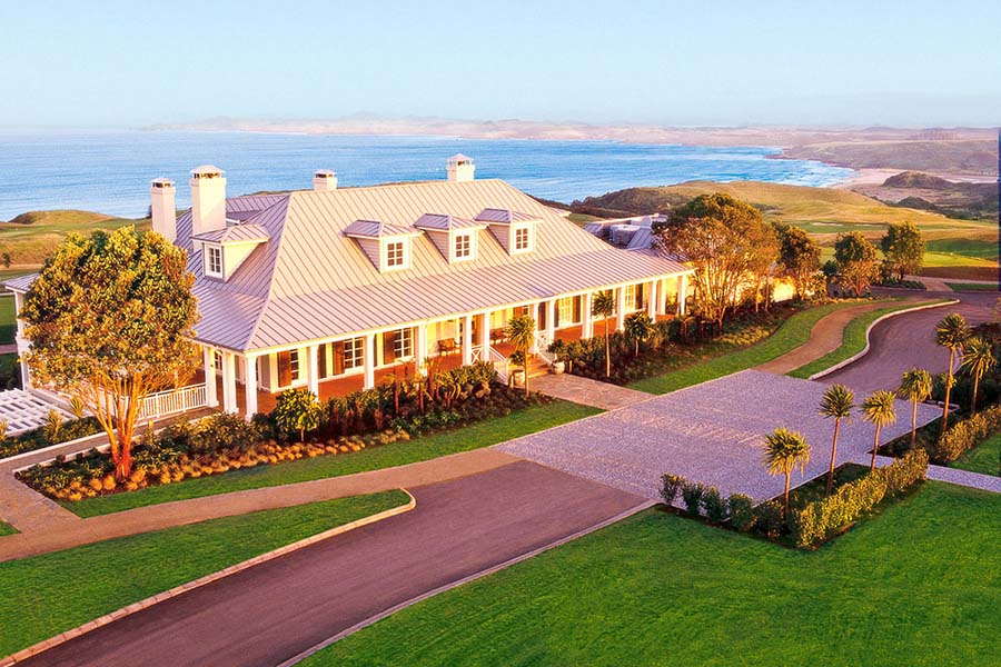 the lodge at Kauri Cliffs golf course luxury lodges of New Zealand