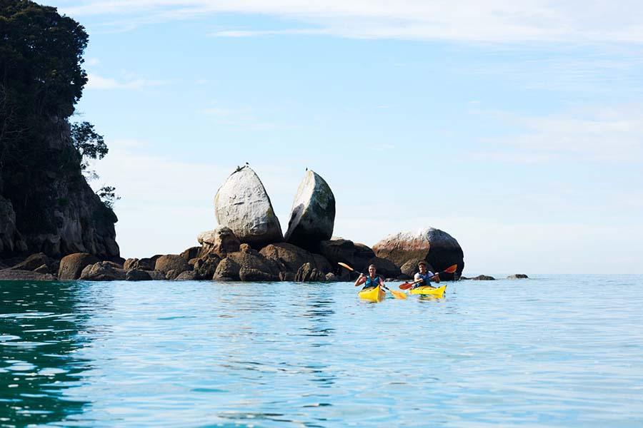 Sea Kayaking Abel Tasman National Park New Zealand
