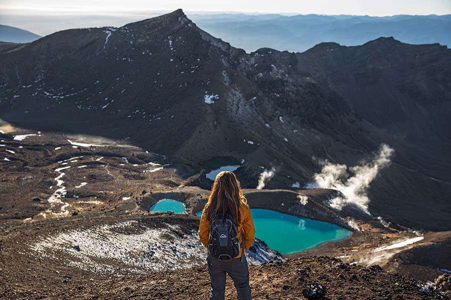 tongariro alpine crossing lord of the rings tour New Zealand hiking trails great walks