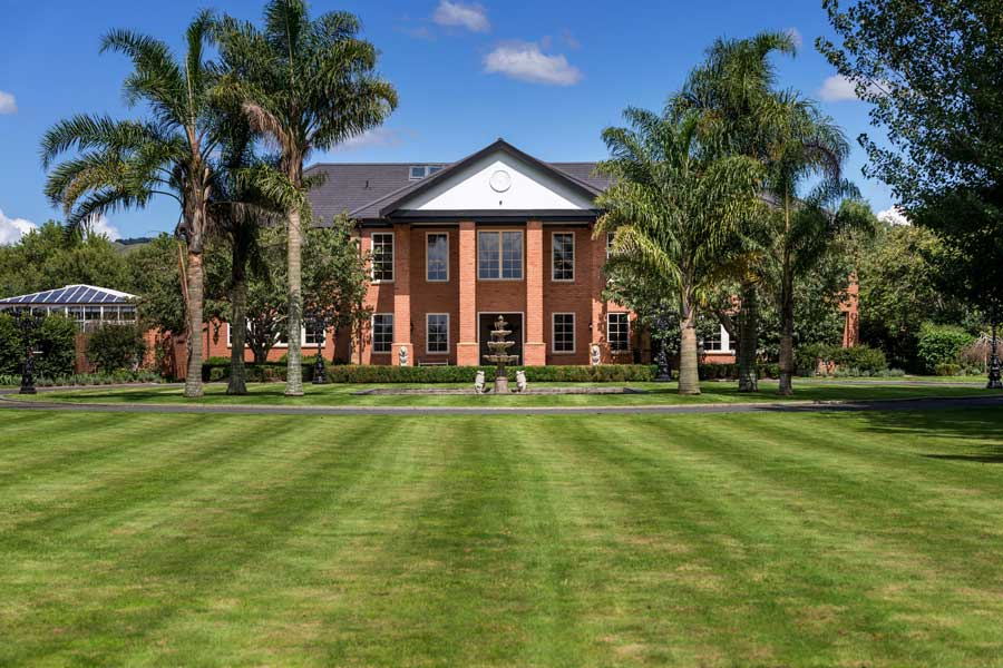Henley Hotel Cambridge luxury hotel New Zealand